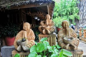 buddhas laguna