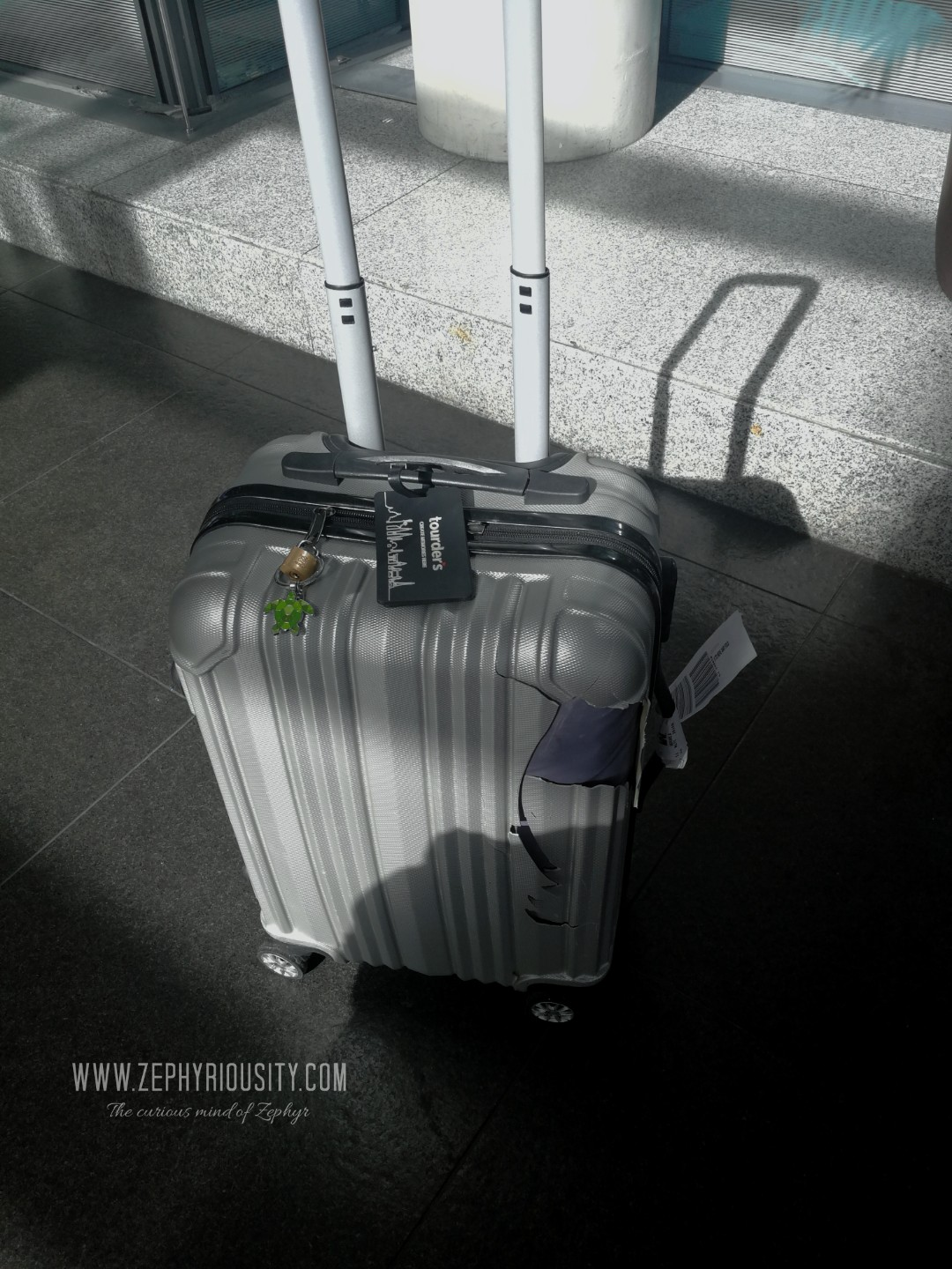 airline damaged baggage report