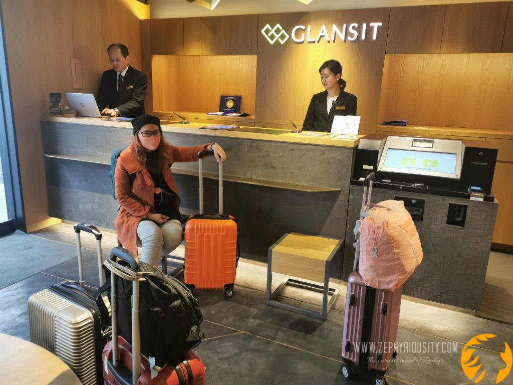 checking out in glansit, Japan while covid-19 outbreak arises